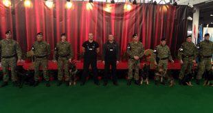 Pokazna vježba vodiča i službenih pasa Vojne policije na CACIB-u u Zagrebu