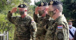 Pripadnici Vojne policije na Srđu – Strinčijeri iznad Dubrovnika odali počast poginulim Vojnim policajcima u Domovinskom ratu