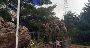 Položeni vijenci u Komolcu i na Strinčijeri za poginule vojne policajce